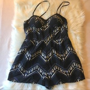 BAND OF GYPSIES Romper Size L